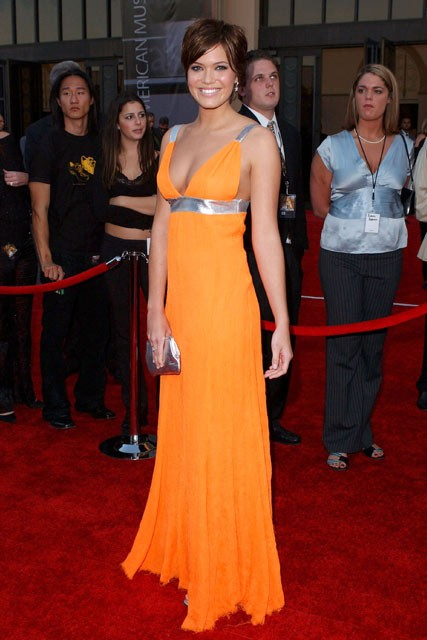 Mandy-Moore-at-the-American-music-awards-2004