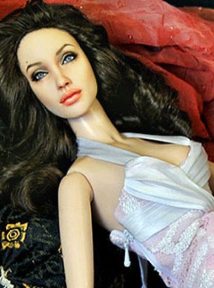 Angelina-LP1