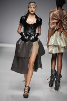 Marie Claire Fashion: Paris Fashion Week: Vivienne Westwood S/S 2009