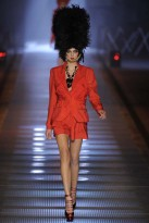 Galliano, The Hat Trend, Spring/Summer 09, fashion photos, Marie Claire