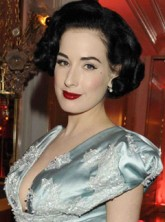 Dita-Von-Teese-The Fashion Dinner Aids benefit, Celebrity photos, Paris Couture Fashion Week, Marie Claire