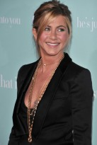 Jennifer-Aniston-'He's just not that into you' film premiere, Celebrity Photos, Marie Claire