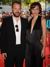 Peter Sarsgaard and Maggie Gyllenhaal - Celebrity News - Marie Claire