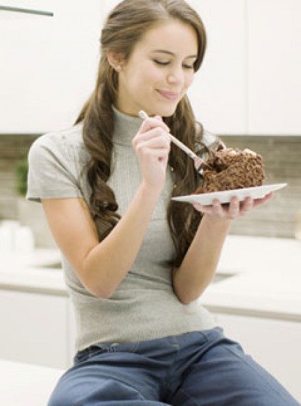 Eating cake - Health News - Marie Claire