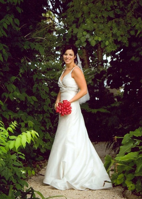 Lisa-Gardiner-Stylish Real Life Brides-Marie Claire Weddings