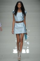 Burberry Prorsum S/S 2010 - London Fashion Week - Marie Claire