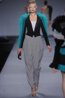 Viktor &amp; Rolf Spring/Summer 2010 - Paris Fashion Week - Marie Claire