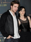 Robert Pattinson Kristen Stewart - Asked out 'a lot' on set, Twilight, Eclipse - Marie Claire