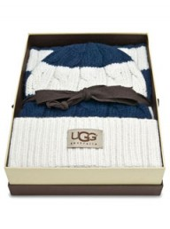 Ugg Australia cable scarf & hat set