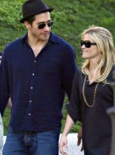 Reese Witherspoon and Jake Gyllenhaal - Celebrity News - Marie Claire