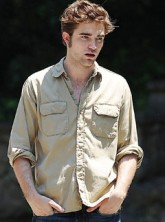 Robert Pattinson - Celebrity News - Marie Claire