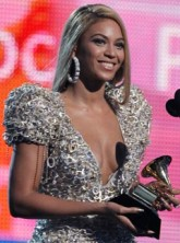 Beyonce Knowles at the 2010 Grammy Awards
