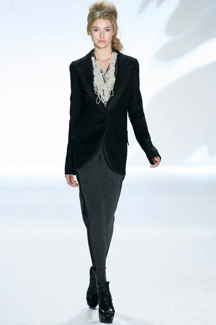 Vera Wang Autumn/Winter 2010, New York Fashion Week