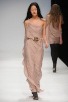 Amanda Wakeley Autumn/Winter 2010 - London Fashion Week - Marie Claire