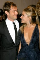 Jude Law and Sienna Miller - Costume Institute Gala 2010: Cutest Couples - MET Ball - Marie Claire