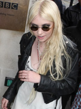 Taylor Momsen - Gossip Girl Taylor Momsen admits carrying a knife - Taylor Momsen - Celebrity News - Marie Claire
