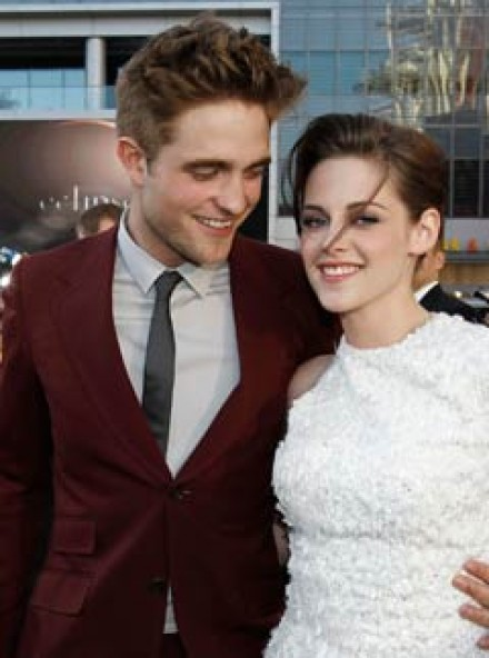 Robert Pattinson & Kristen Stewart - LATEST! Eclipse producer confirms R-Patz and K-Stew relationship - Robert Pattinson and Kristen Stewart - Twilight - Eclipse - Eclipse Premiere - Eclipse Premiere Pics - Robert and Kristen latest - Celebrity News - Mar
