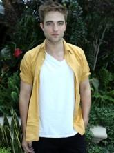 Robert Pattinson - Robert Pattinson invests in vintage wheels - Twilight - Eclipse - Celebrity News - Marie Claire