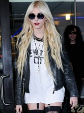 Taylor Momsen - WATCH: Taylor Momsen's controversial new video - The Pretty Reckless - Celebrity News - Marie Claire