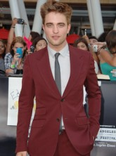Robert Pattinson - LATEST! Robert Pattinson WILL Attend The Teen Choice Awards - Teen Choice Awards - Eclipse - Twilight - Breaking Dawn - Teen Choice Awards - Marie Claire
