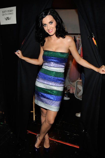 From geek to chic! Katy Perry's Teen Choice costume changes - prom queen, dress, Teen Choice Awards, host, hostess, pictures, see, fashion, celebrity, hippie, goth, vamp, Marie Claire