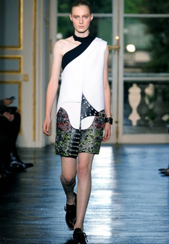 Balenciaga Spring/Summer 2011 Paris Fashion Week