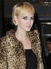 Ashlee Simpson debuts blonde pixie crop - hair/hairstyle