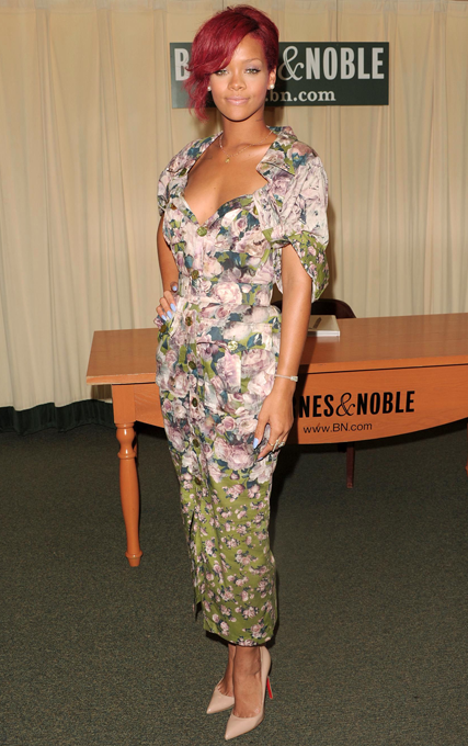 Rihanna - Everyone's wearing ladylike fashion, stars love, style, dresses, prom dresses, see, pics, pictures, trend, celebrity, style, fashion, Marie Claire
