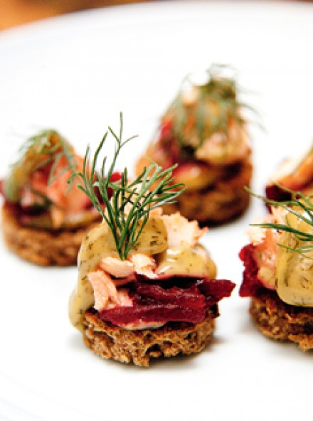 Rye toasts with salmon, dill mustard beetroot