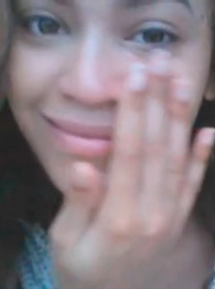 [Image: Beyonce-LP14.jpg]