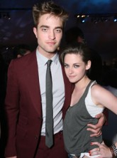 Robert Pattinson and Kristen Stewart - Robert Pattinson Kristen Stewart - Robert Pattinson and Kristen Stewart attending People's Choice Awards together? - People's Choice Awards - Robert Kristen People's Choice Awards - Twilight - Breaking Dawn - Celebri