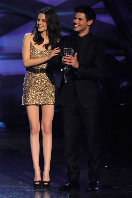Kristen Stewart at the People's Choice Awards 2011