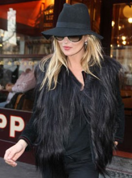 Kate Moss - LATEST! Kate Moss?s engagement ring inspiration - Kate Moss engagement ring - Engagement Ring - Celebrity Engagement Rings - Celebrity News - Marie Claire - Marie Claire UK