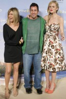 Jennifer Aniston, Adam Sandler and Brooklyn Decker at the Just Go With It premiere - new bob hairstyle