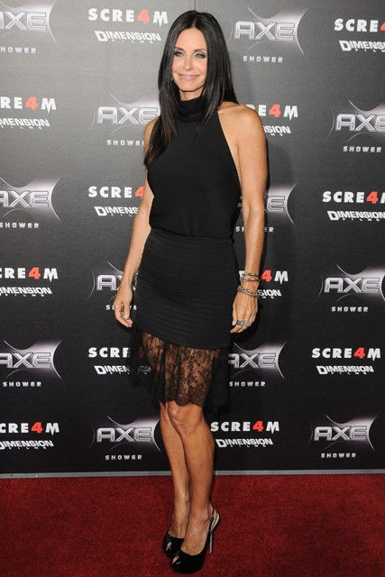 Courteney Cox at the Scream 4 premiere