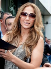Jennifer Lopez - Jennifer Lopez and Victoria Beckham's secret cinema outings revealed! - Jennifer Lopez - Victoria Beckham - Marie Claire - Marie Claire UK