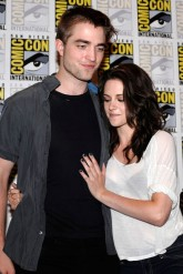 Robert Pattinson and Kristen Stewart at Comic-Con 2011