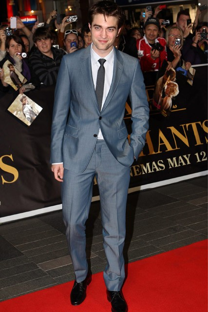 Robert Pattinson - Robert Pattinson WILL attend Twilight Breaking Dawn UK premiere - Breaking Dawn - Twilight Breaking Dawn - Robert Pattinson Kristen Stewart - Marie Claire - Marie Claire UK