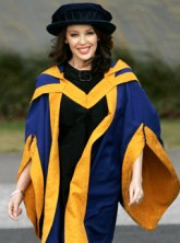 Kylie Minogue - PICS! Kylie Minogue accepts honorary degree - Kylie Minogue degree - Marie Claire - Marie Claire UK