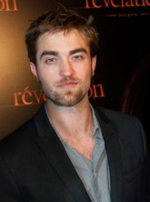 Robert Pattinson - Robert Pattinson to auction private Breaking Dawn screening - Robert Pattinson auction - Twilight - Breaking Dawn - Twilight Breaking Dawn - Marie Claire - Marie Claire UK