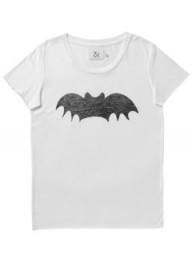 Zoe Karssen bat slogan T-shirt - halloween outfits - halloween fashion