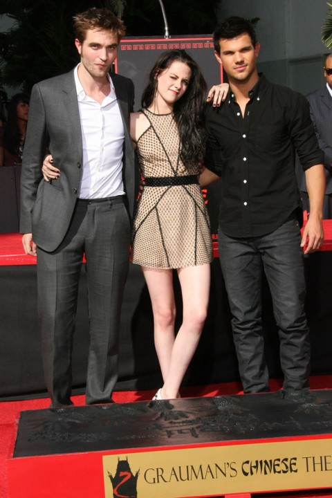 Robert Pattinson, Kristen Stewart, Taylor Lautner - Robert Pattinson - Kristen Stewart - Taylor Lautner - Hollywood Walk of Fame - Hollywood Star - Twilight - Breaking Dawn - Marie Claire - Marie Clarie UK