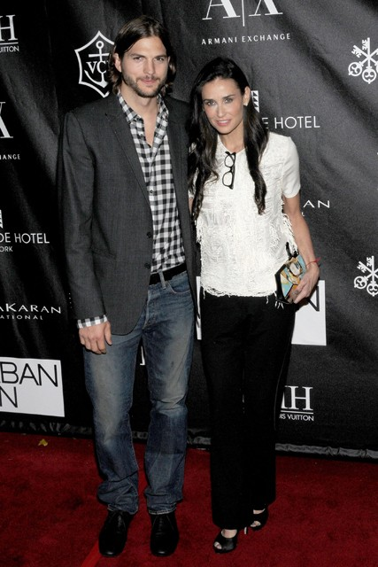 Demi Moore and Ashton Kutcher, Demi Moore, Ashton Kutcher, Demi Moore and Ashton Kutcher divorce, Demi Moore and Ashton Kutcher split, Demi Moore and Ashton Kutcher break-up, Demi Moore and Ashton Kutcher relationship,
