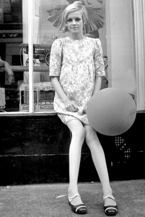Ultimate Style Icons Twiggy 1960s Style Icon 1960s Fashion Fashion Pictures Marie Claire