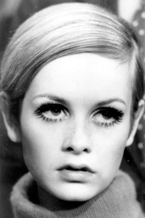 fashion icon twiggy essay Define fashion icon fashion icon get stylish and fight cancer with help from fashion icon twiggy will be honored as a fashion icon by the council of fashion.