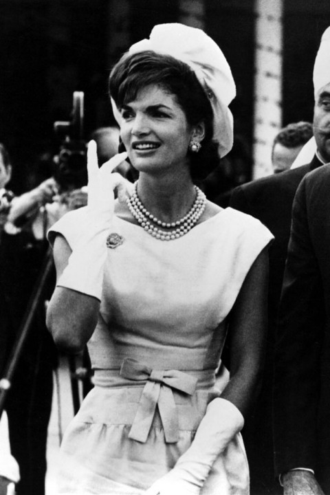 Melania Trump Great First Lady besides 52118045 likewise Sarah Jessica Parker Style Evoution us 56f57540e4b014d3fe2301c0 also Jackie Kennedy Wedding Dress n 3914609 in addition Paul Walker Crash Site Memorial Gallery 1 1534949. on oscar de la renta 1994
