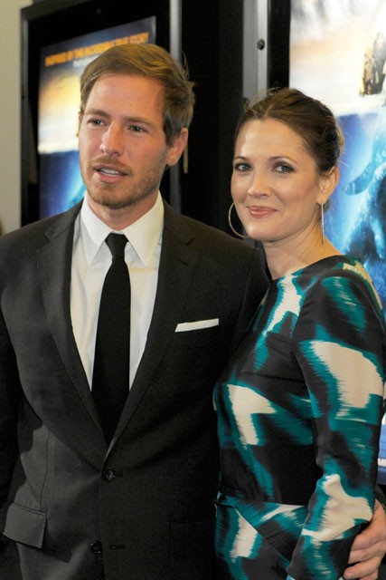 Drew Barrymore shows off her engagement ring with fiance Will Kopelman at Big Miracle premiere
