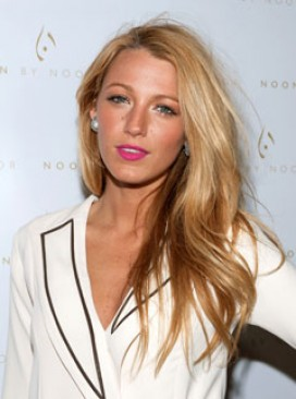 Blake Lively Winter Fashion on Blake Lively At New York Fashion Week Autumn Winter 2012