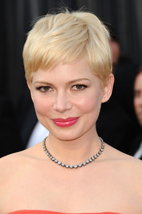 Michelle Williams at the Oscars 2012 - hair and beauty - red carpet looks