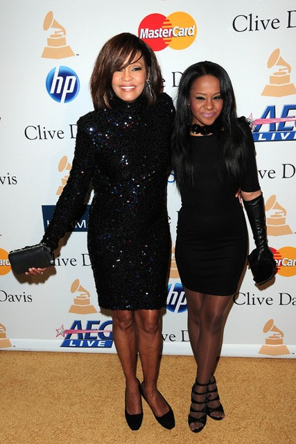 Whitney Housten and Bobbi Kristina, Whitney Housten, Bobbi Kristina, Bobbi Kristina boyfriend, Cissy Houston, Bobbi Kristina boyfriend, Bobbi Kristina Housten, Bobbi Kristina dating brother, Nick Gordon, Boobi Kristina Nick Gordon 